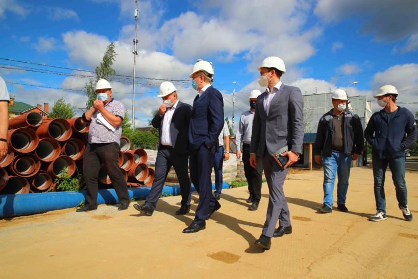 Владимир Ружицкий проинспектировал строительство пристройки к школе № 59 в деревне Марусино