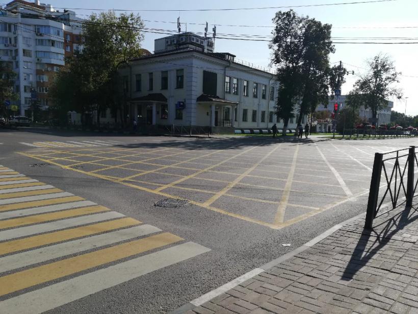 Нанесли «вафельную» разметку на перекрестке в Люберцах